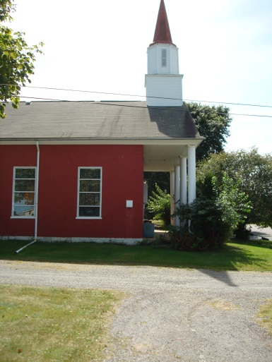 2010 photo of the building that once housed Messiah Lutheran Church. It is now an antique shop.
