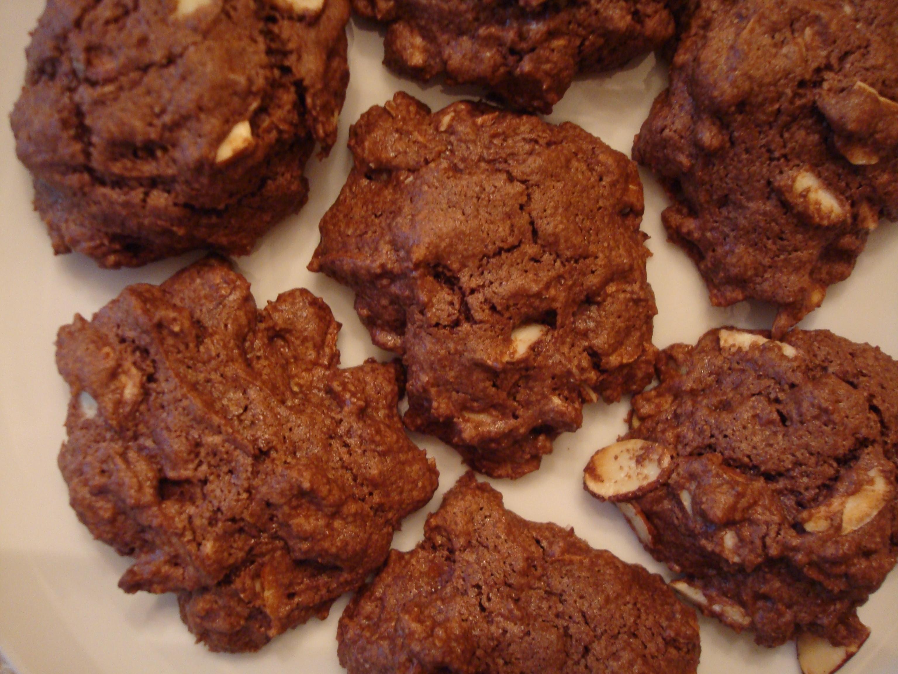 Recipe of chocolate almond cookies