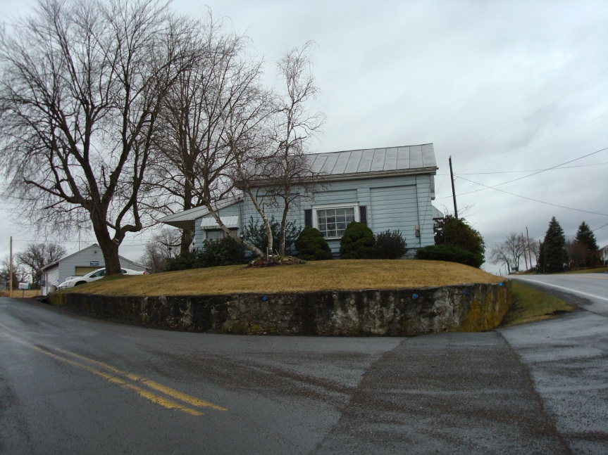 Recent photo of building that once housed Red Hill School. It is now a home.
