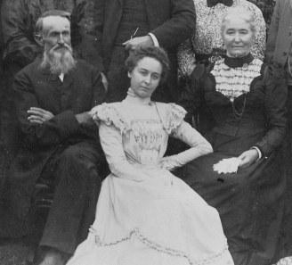 John and Sarah Derr with daughter Annie (circa 1900)