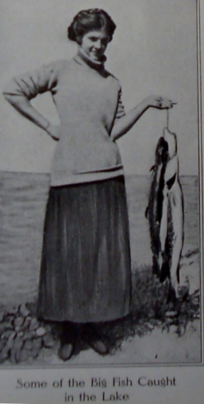 1914 woman with fish
