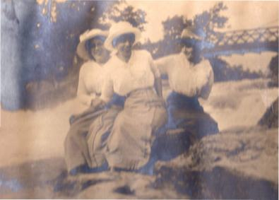 Alma Derr, Rachel Oakes, and Ruth Muffly at Niagara Falls (Caption order may not be correct; Uncertain of the order; of the women)