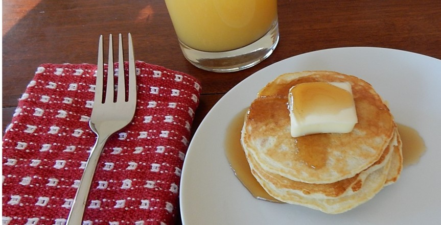 Bread griddlecakes on plate